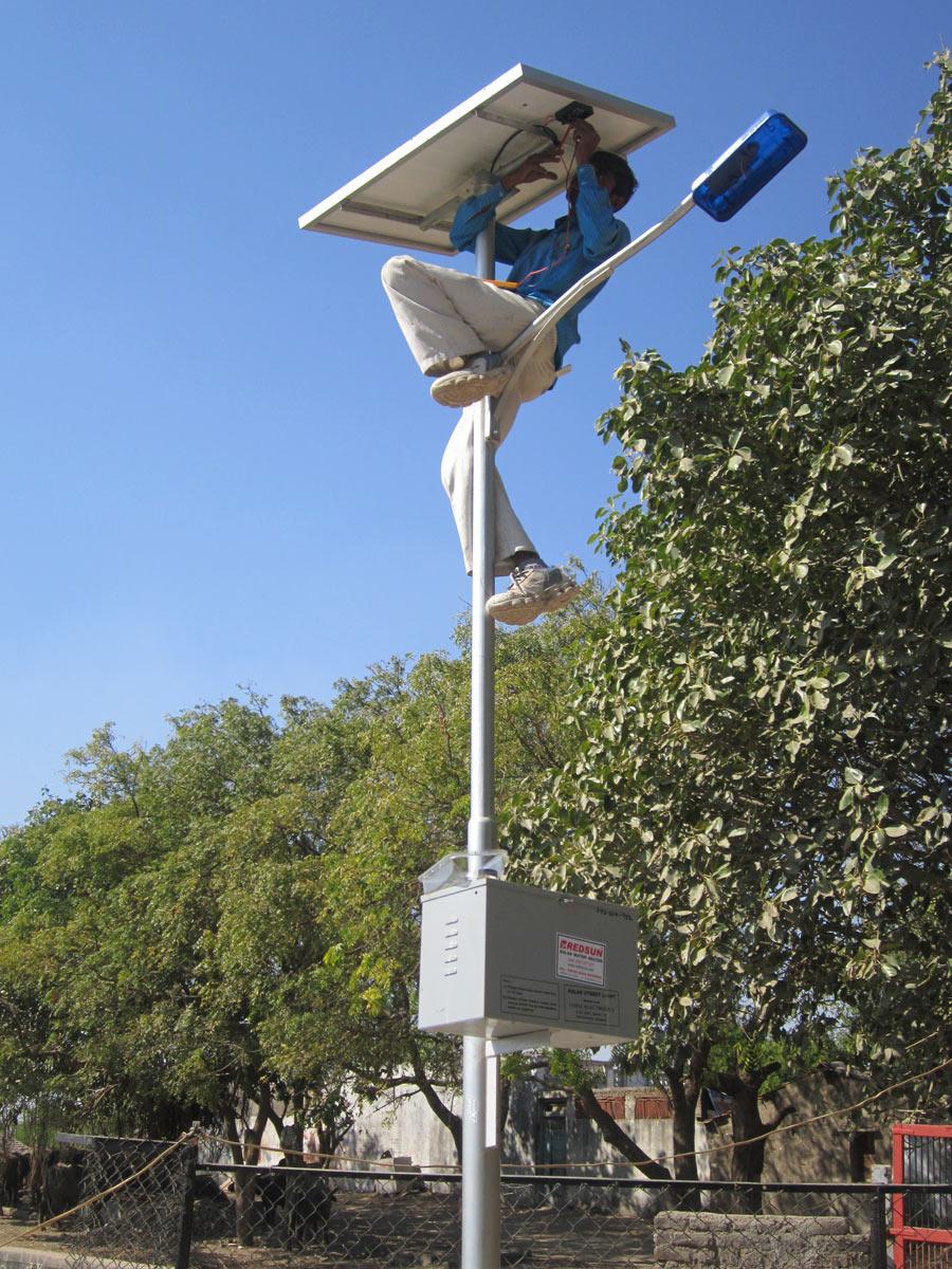 Solarcell Pju Ambon Maluku Untuk Proyek Jalan Umum Solar